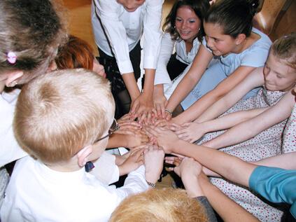 Kinder halten zusammen